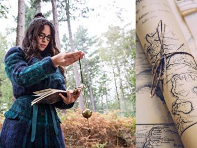 Anathema Device di Good Omens cerca una wedding planner col suo pendolo con una mappa vicino