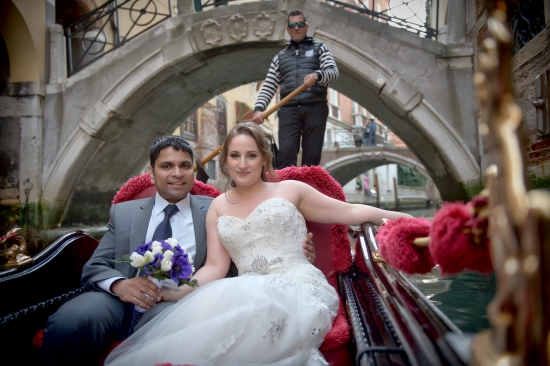 Elopement on a gondola in Venice